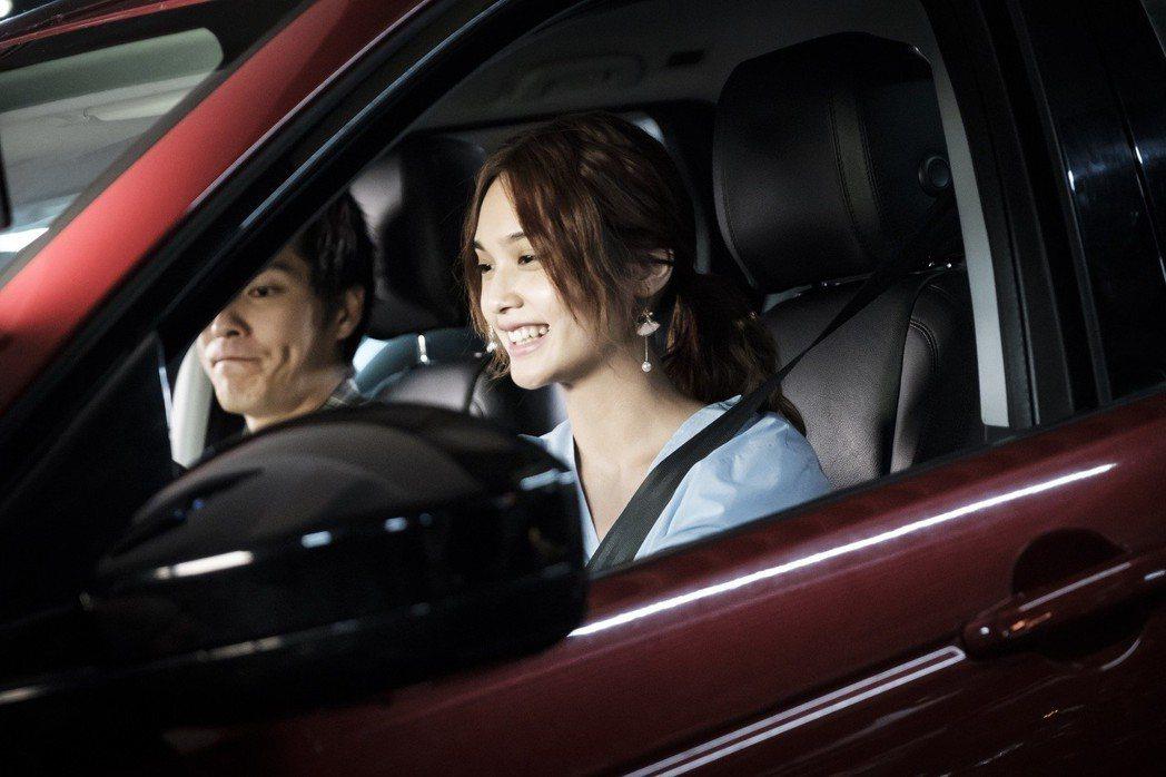 楊丞琳開車「皮皮挫」。圖/八大提供