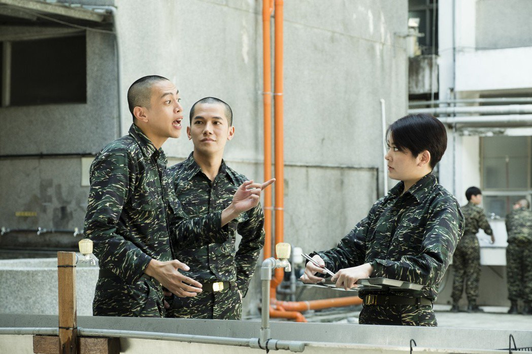 楊雅筑(右)虧「鯰魚哥」林建予(左)的幽默「too much」。圖/TVBS提供