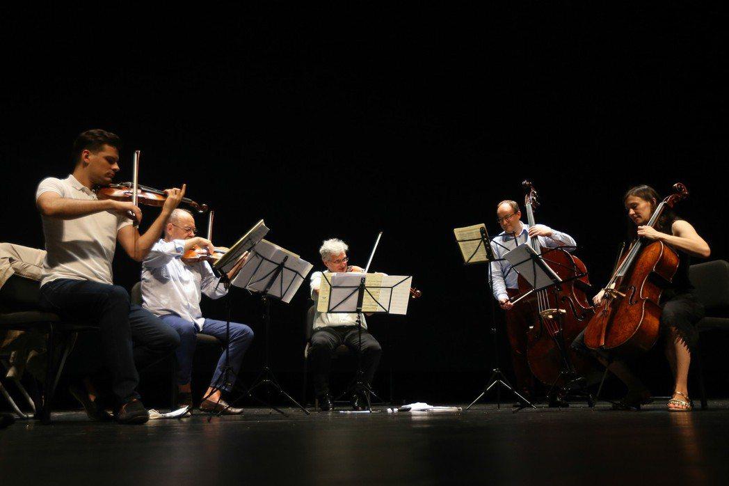 柏林愛樂弦樂五重奏來台,今在台北國家音樂廳登台。 記者黃仲裕/攝影