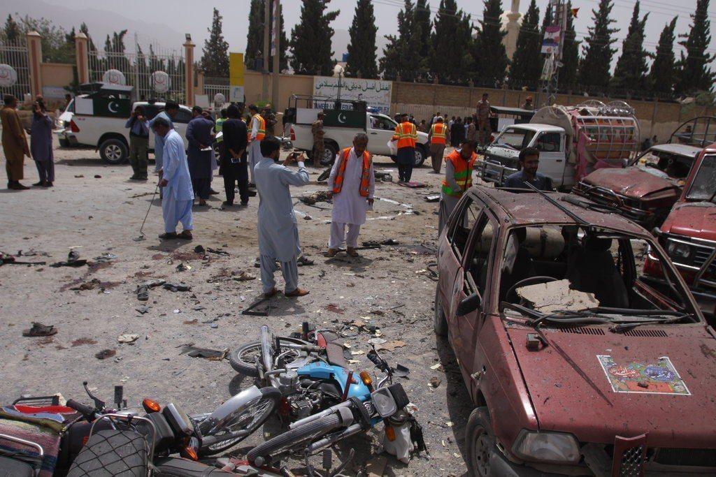 巴基斯坦多地發生炸彈攻擊和暴力事件。 美聯社