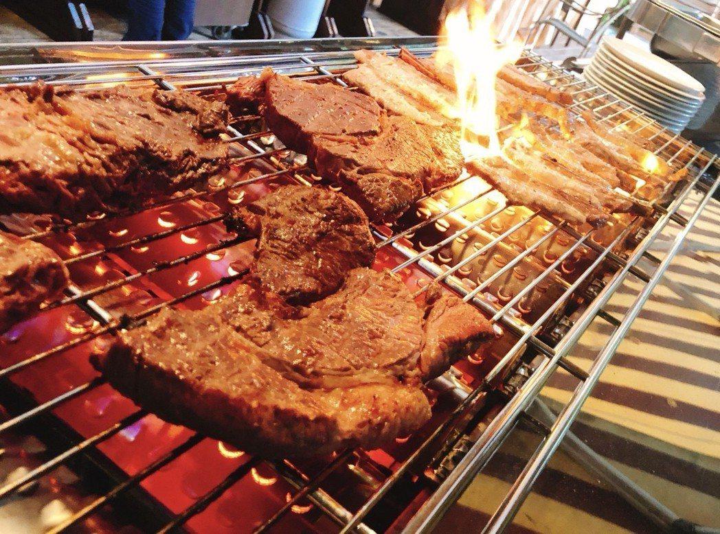 東森山林渡假酒店主打豐富的親子互動設施,提供PRIME等級牛排吃到飽。麗新管顧/...