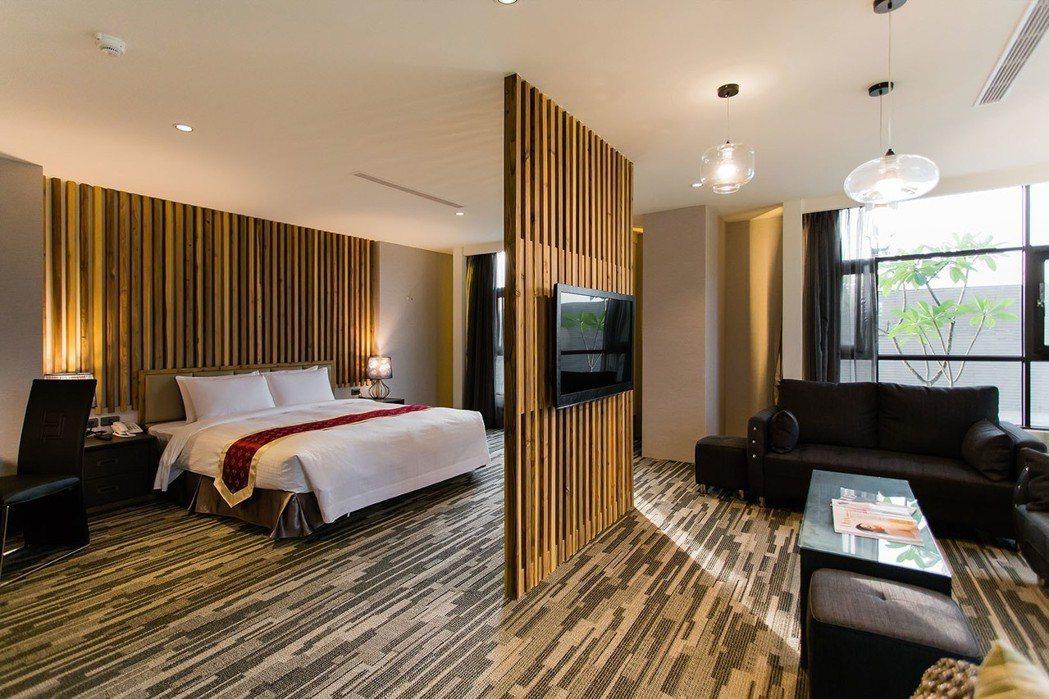 阿里山東方明珠國際大飯店祭出住宿88折活動,只要2880元起。麗新管顧/提供