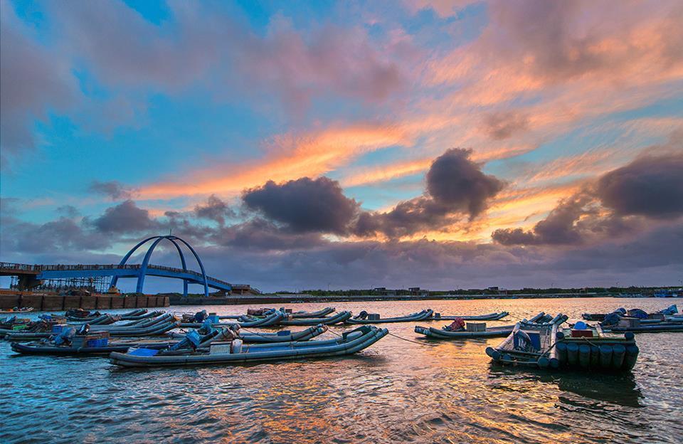 王功漁港的夕照美景,曾是彰化縣有名的八大景,不輸台中市高美濕地。 圖/國民黨...