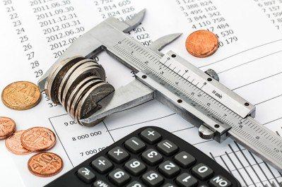 社企非慈善,若忽略成本效益,將為日後的營運埋下隱憂。圖/pixabay提供