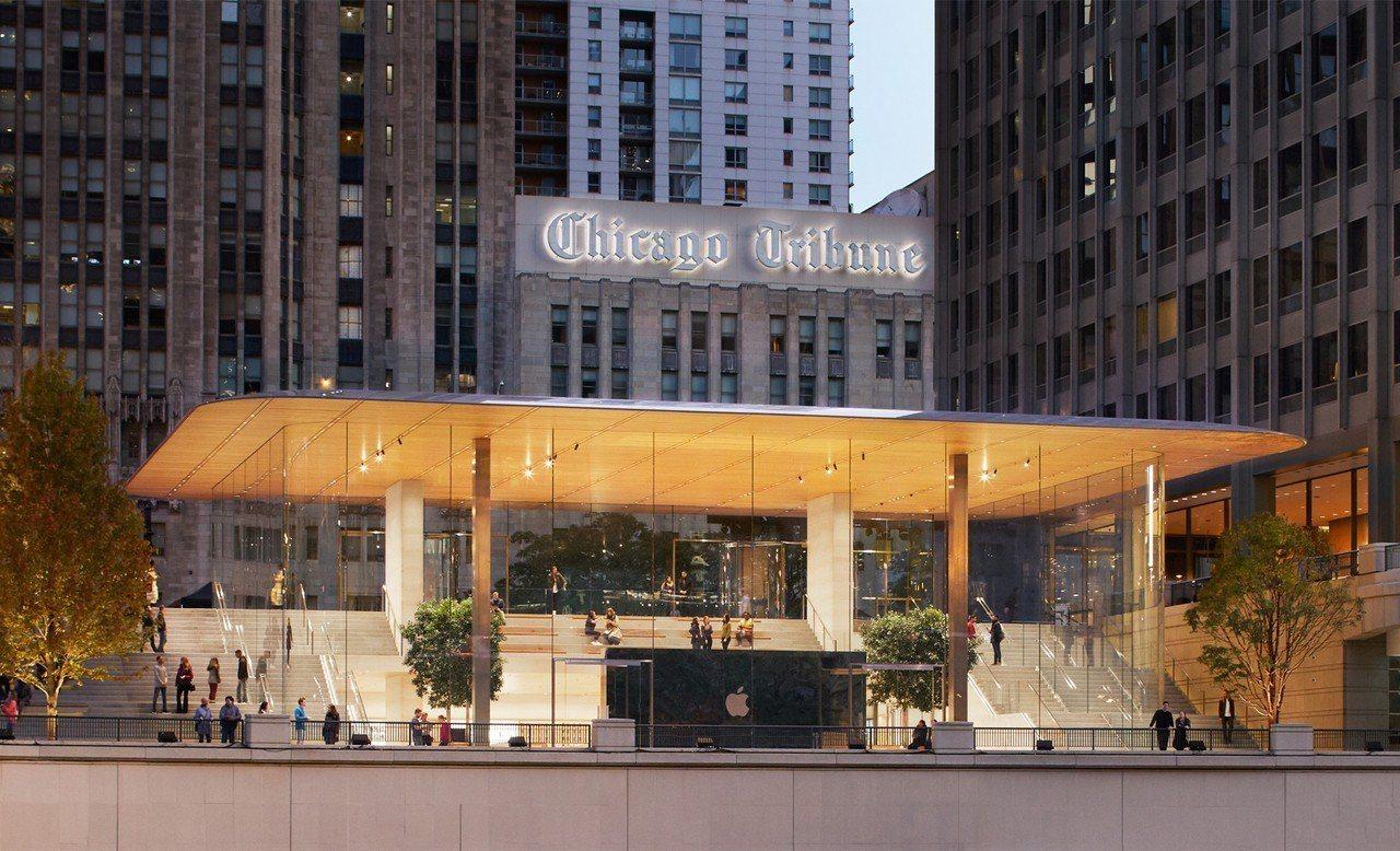 全新一代直營旗艦店型設計最大特色,就是四周全透明玻璃外牆,視覺穿透感消弭了室內與...