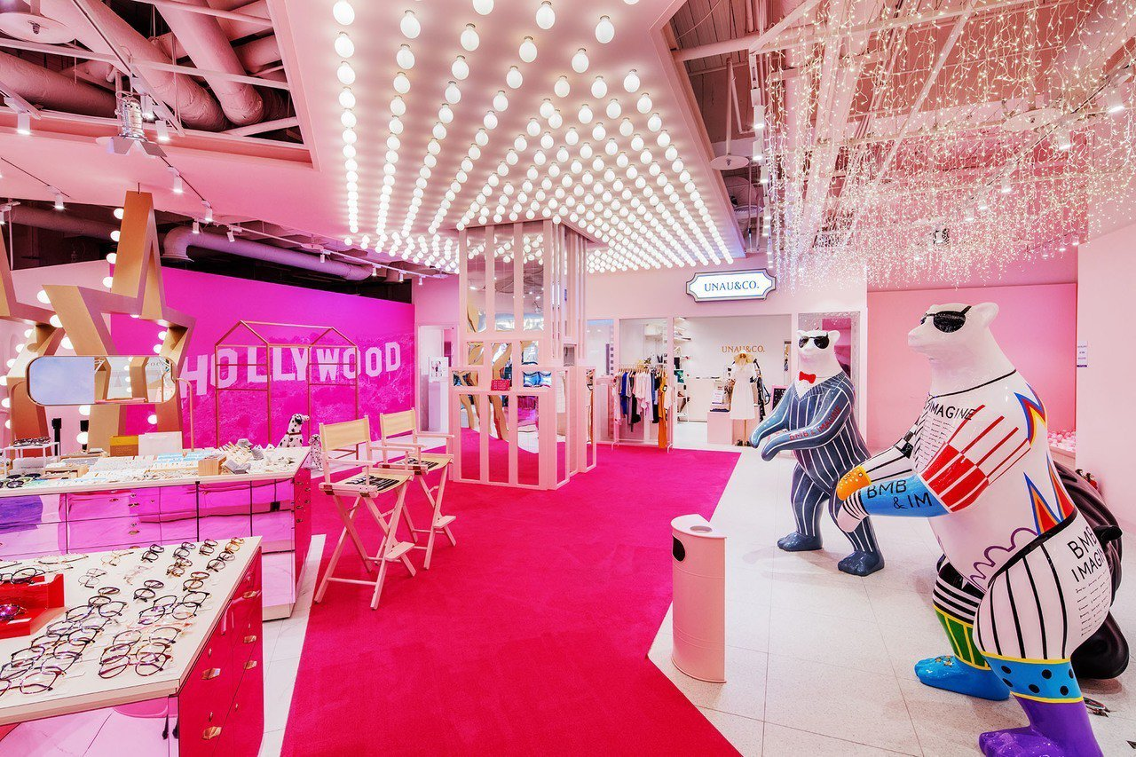 秀泰生活台中文心店2樓以「粉紅好萊塢」作為設計概念。圖/秀泰集團提供