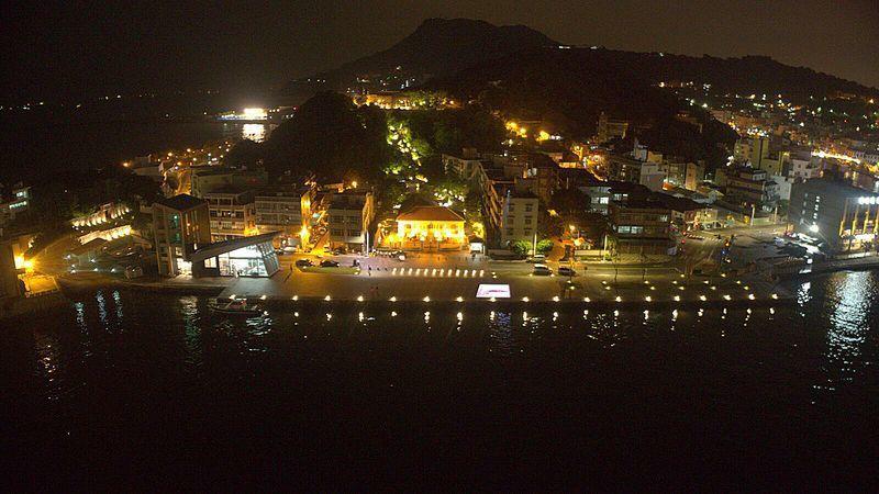 哨船頭的夜景,彷彿訴說著悠悠歷史。圖/高雄市文化局提供