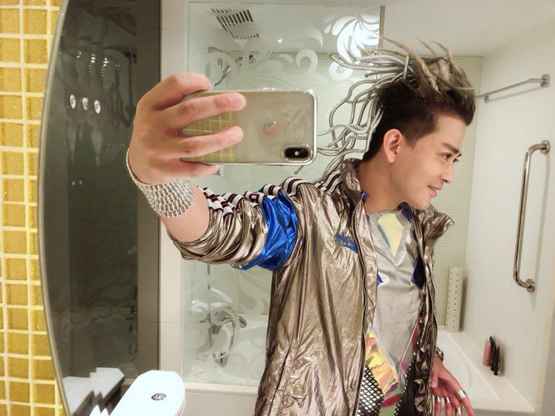 陳曉東為演唱會彩排,弄編髮痛到哇哇叫。圖/火爆娛樂提供