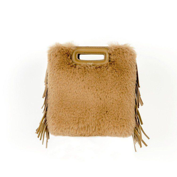 M bag皮草流蘇邊駝色肩背包,價格店洽。圖/Maje提供