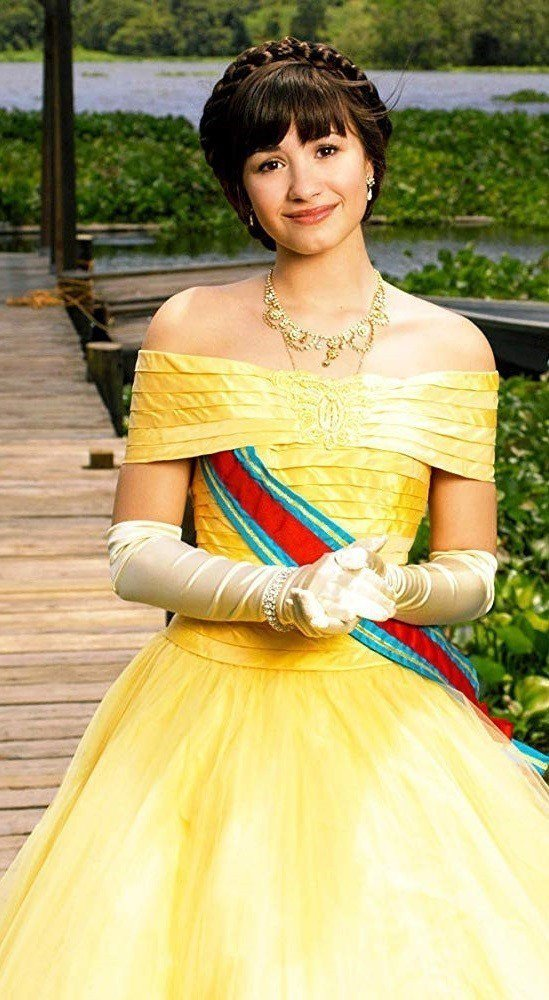 黛咪洛瓦托曾是迪士尼力捧玉女,在「公主保衛戰」扮演尊貴的公主。圖/摘自imdb