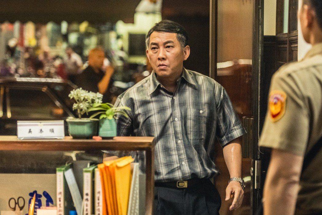 居中恆特別演出「鬥魚」電影版男主角林柏叡的義父。圖/多曼尼提供
