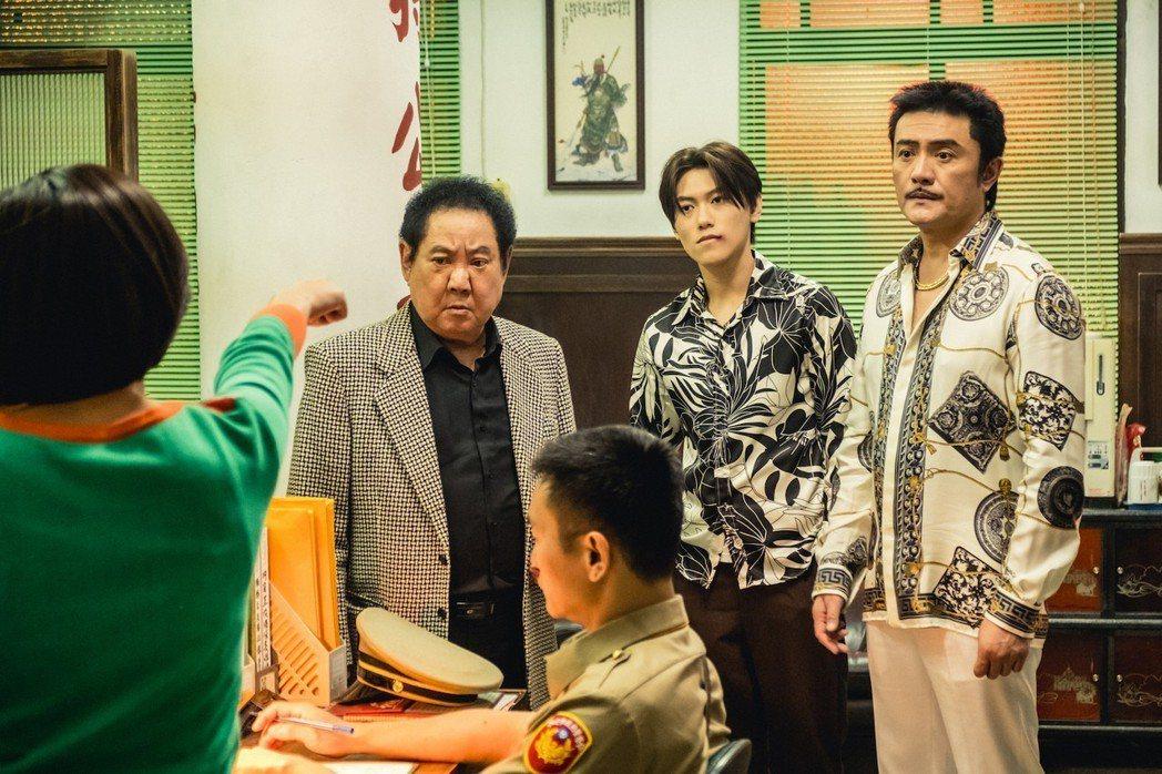 馬如龍(左)與李㼈(右)參與演出。圖/多曼尼提供