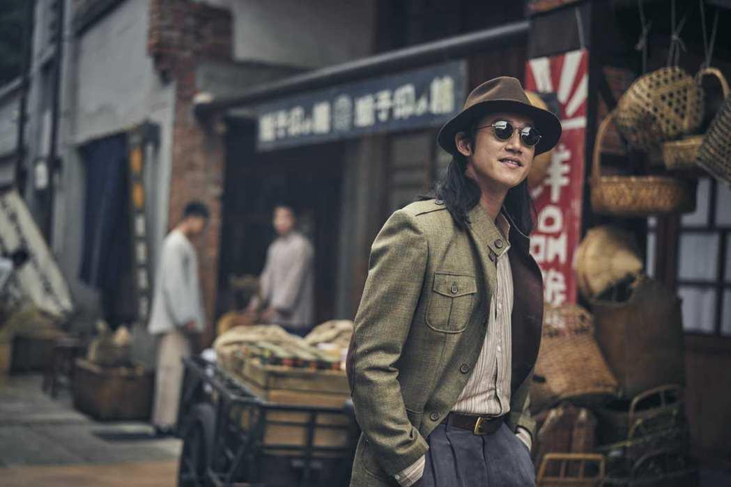 吳慷仁在「憤怒的菩薩」中飾演在日本偵破殺人案而聲名大噪的中國留學生。圖/公視提供