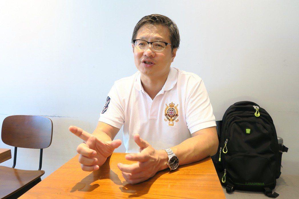 國中數學老師姚貴鋒。 彭子豪/攝影