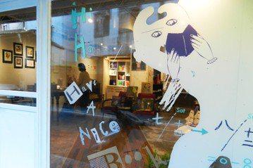 書店的行為藝術:「繪本快閃書店」在台灣