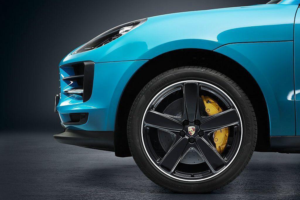 擴大客製化選項,包括全新20與21吋可選輪框。 圖/Porsche提供