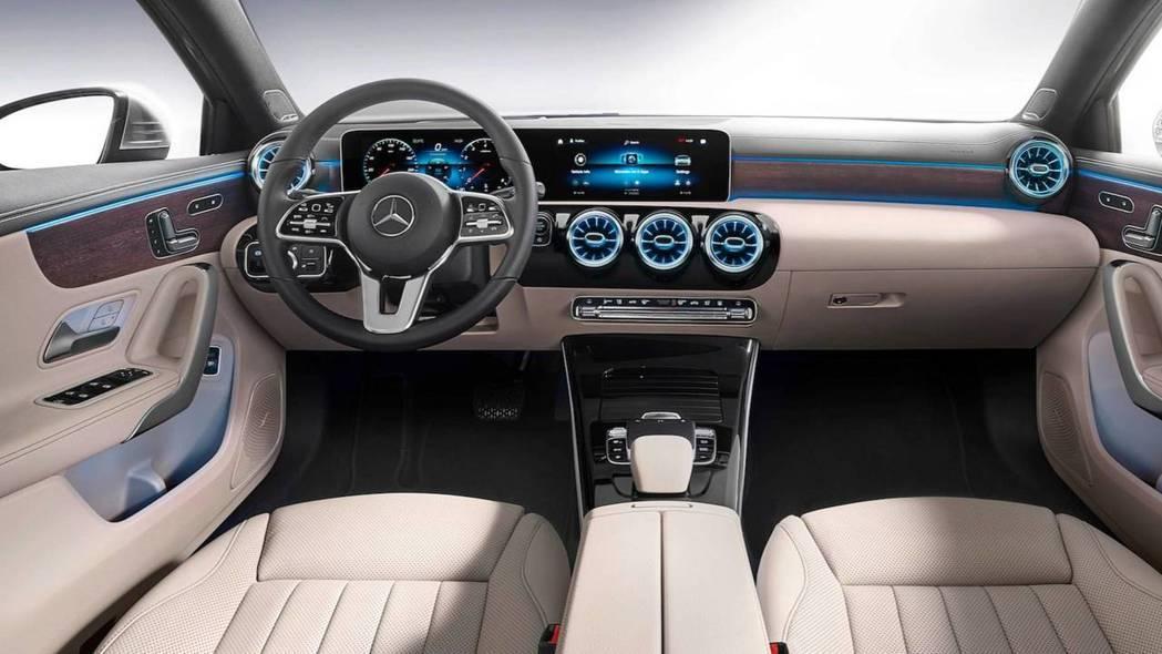 華麗的內裝鋪陳一掃過去A-Class質感不佳的形象。 摘自Mercedes