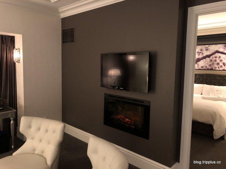 房間內竟然還有壁爐!!太誇張了~這大概是住到緯度高的酒店才看得到的 圖文來自於:...
