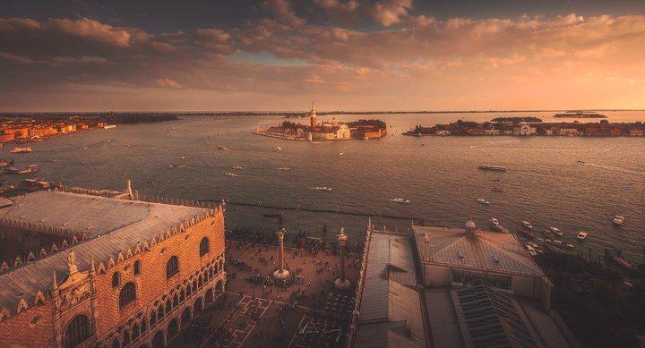 威尼斯夕景。 圖/背包客棧