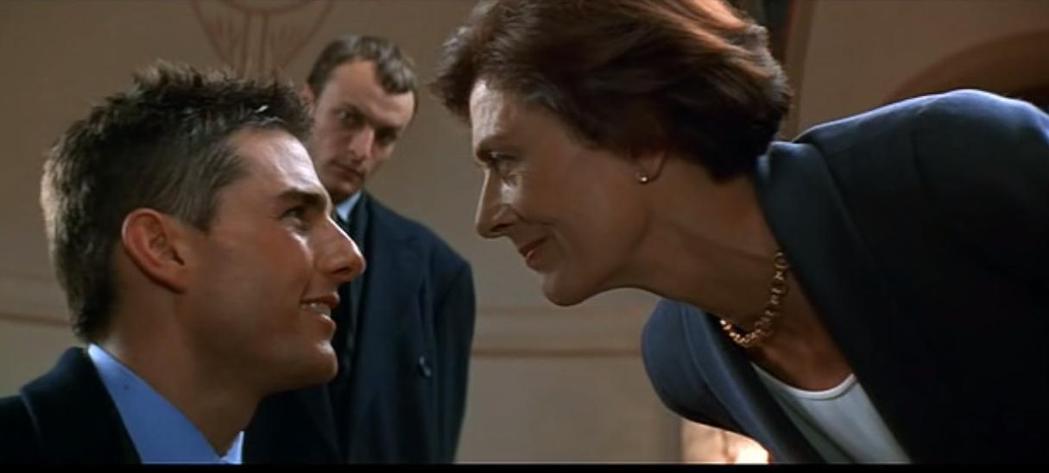 奧斯卡得主凡妮莎蕾格烈芙(右)曾演出「不可能的任務」首集的軍火商麥絲。圖/摘自推...