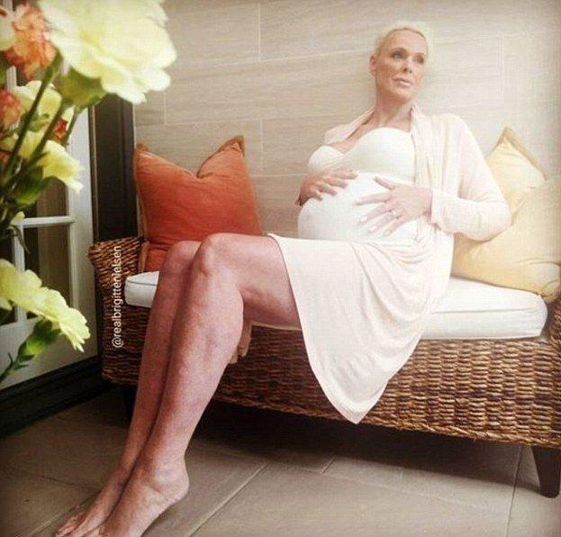 布莉姬尼爾森之前以這張照片對外宣布54歲又懷孕,震動各界。圖/摘自Instagr...