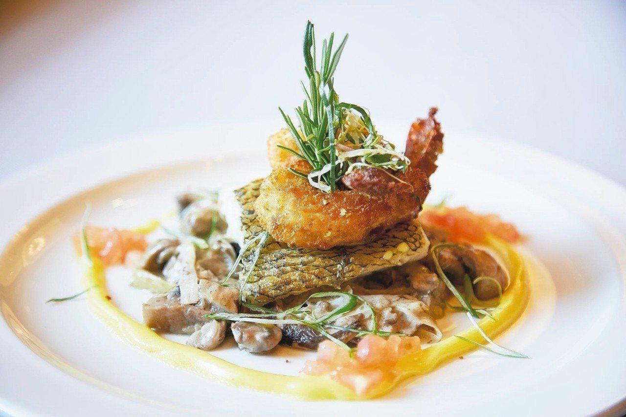 精緻的餐飲為海上之旅更添樂趣。 圖/百威旅遊提供