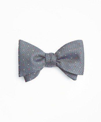 Brooks Brothers灰色細圓點裝飾領結,約2,590元。 圖/各業者提...