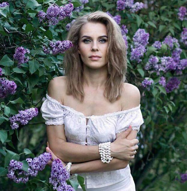白俄羅斯選美夫人形象照。 綺麗再現/提供
