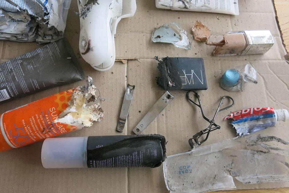 韓裔博士生崔智媛上週搭乘易捷航空回倫敦,不料取行李時發現,行李箱遭嚴重損毀,彷彿...