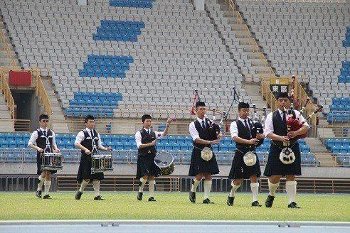 香港卓士風笛鼓樂隊精彩表演。 主辦單位/提供