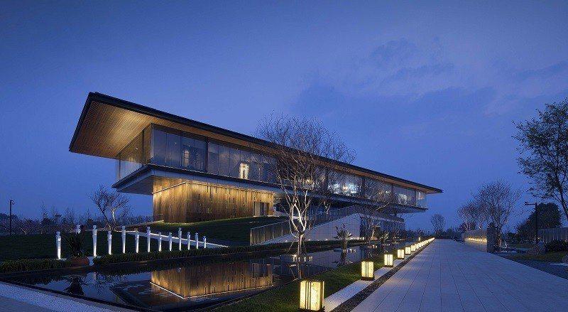 「港中旅成都海泉灣展示中心」(大易國際設計事業,台灣,空間設計類)。