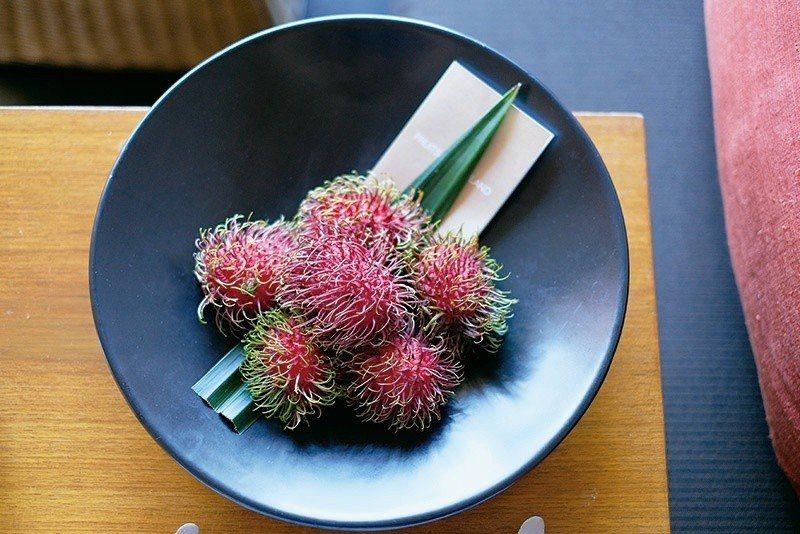 每日更換季節性水果,開啟泰國味蕾。 攝影/行遍天下