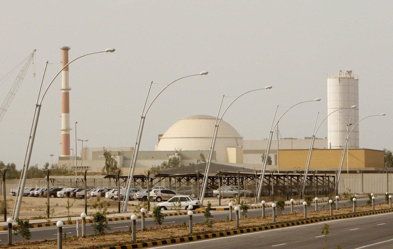 澳洲政府高層認為,美國可能最快8月轟炸伊朗核能設備,澳洲和英國將協助美國確認目標...