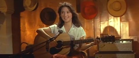 在台灣電影市場正蓬勃發展、紅遍東南亞的1970年代,林青霞是最膾炙人口的傳奇,她不像前輩甄珍擊敗上千人從電影公司徵選新人中脫穎而出,也沒像一堆邵氏紅星一樣先在訓練班磨練才出道,僅僅是上西門町逛街,就...