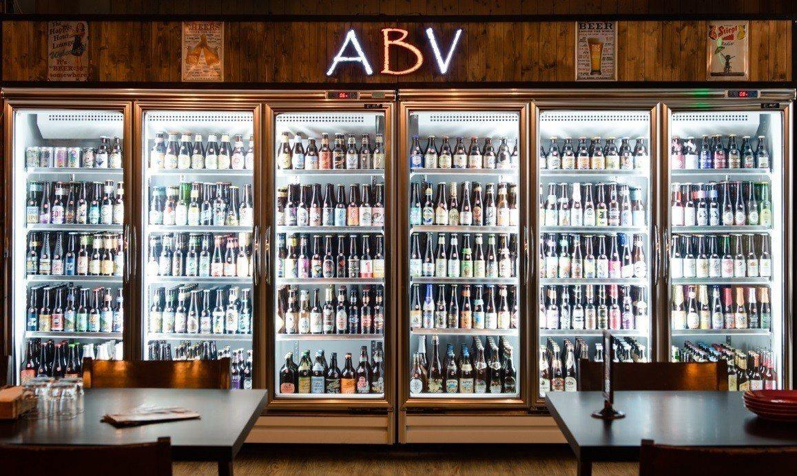 擁有完整啤酒專業知識的ABV Bar&Kitchen世界精釀啤酒餐廳。圖/誠品生...