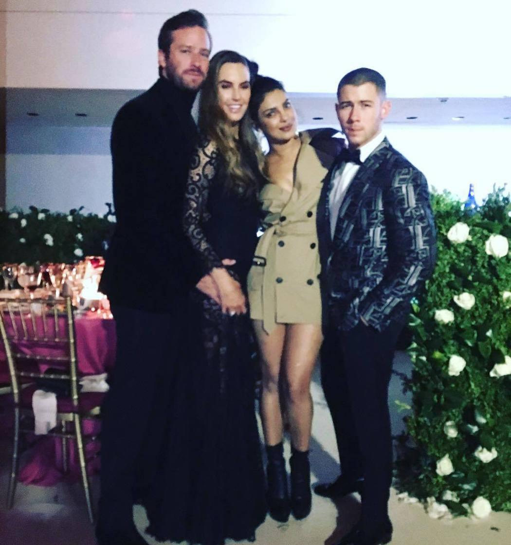 琵豔卡喬普拉(右二)傳和尼克強納斯(右一)已訂婚。圖/摘自Instagram