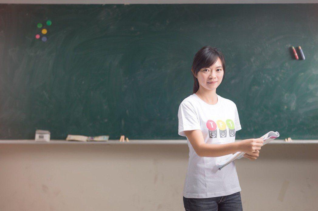 TFT青年教師李科賢放棄補教業高薪,投入偏鄉教育,找回生命的意義。圖/TFT提供