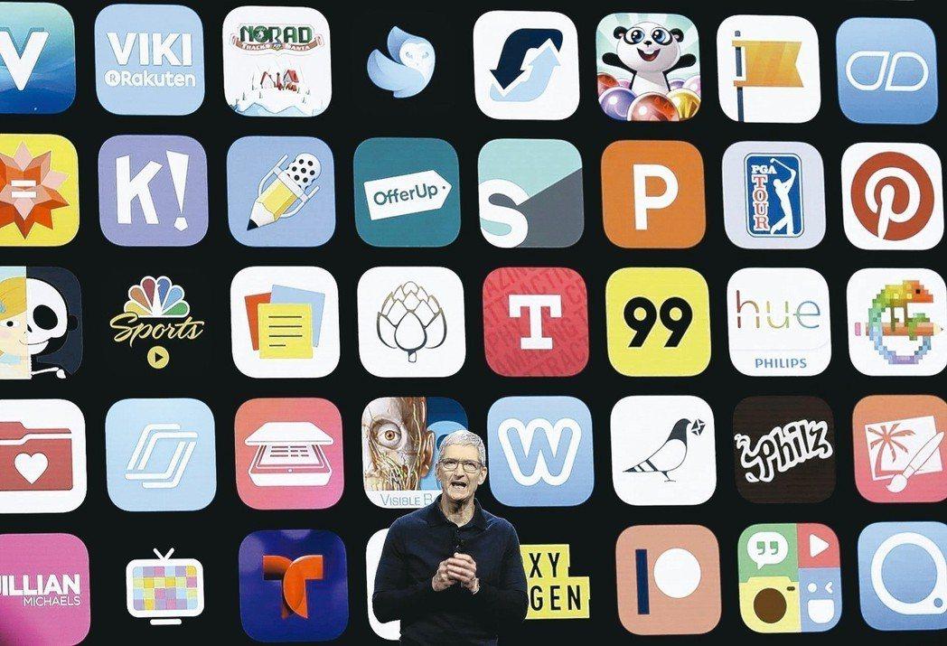 十年前,蘋果公司(Apple)開設了一家「商店」,專門兜售旗下智慧手機iPhon...