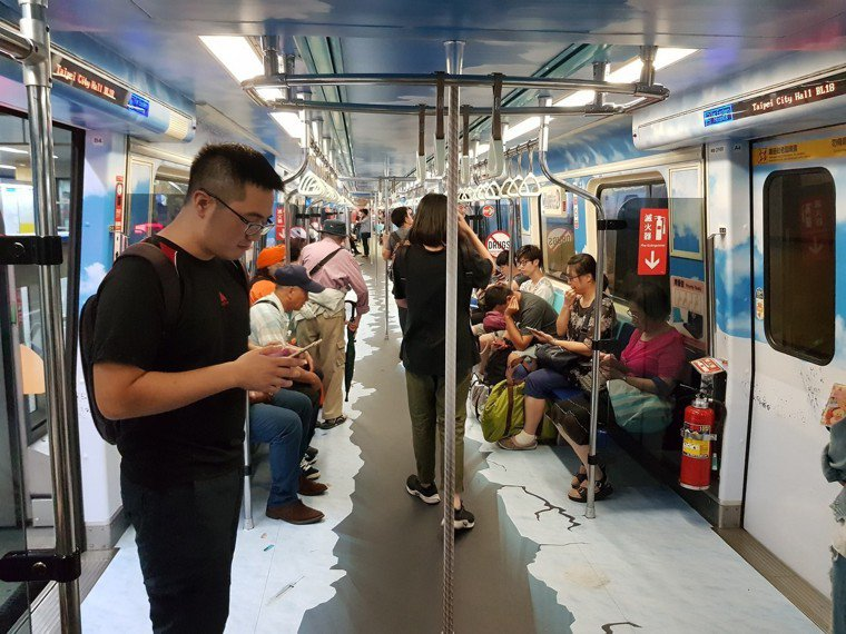 捷運裡空氣污濁。記者翁浩然/攝影