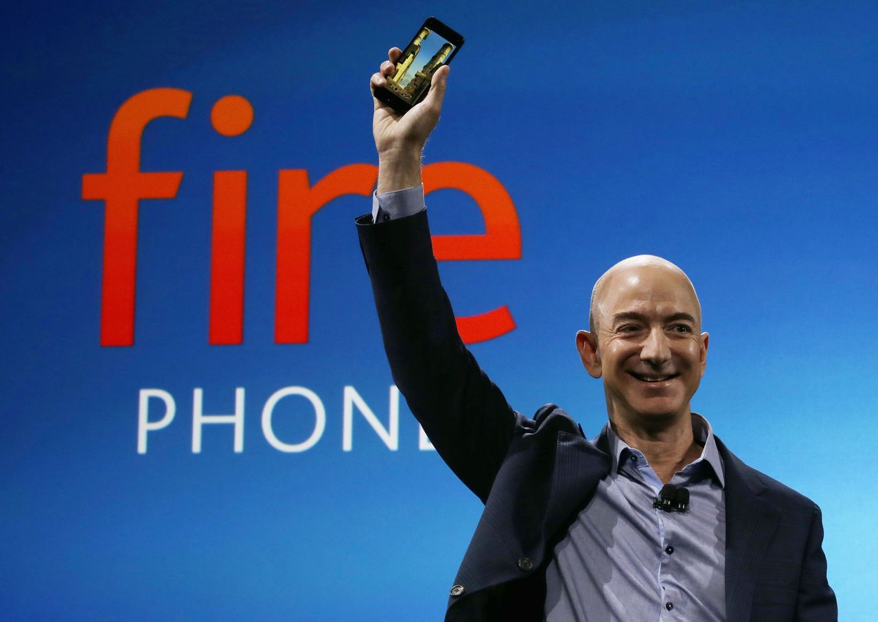 分析師揣測,亞馬遜可能重返手機市場。(圖/美聯社)