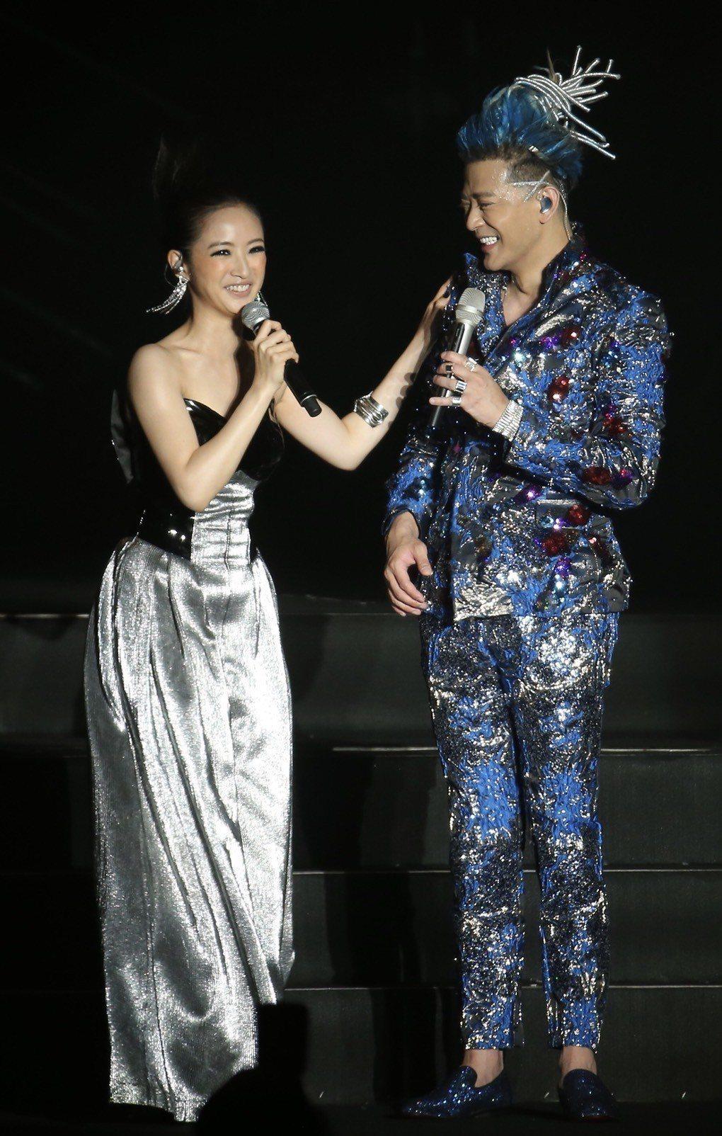 陳曉東28日在南港展覽館開唱,林依晨擔任嘉賓。記者許正宏/攝影