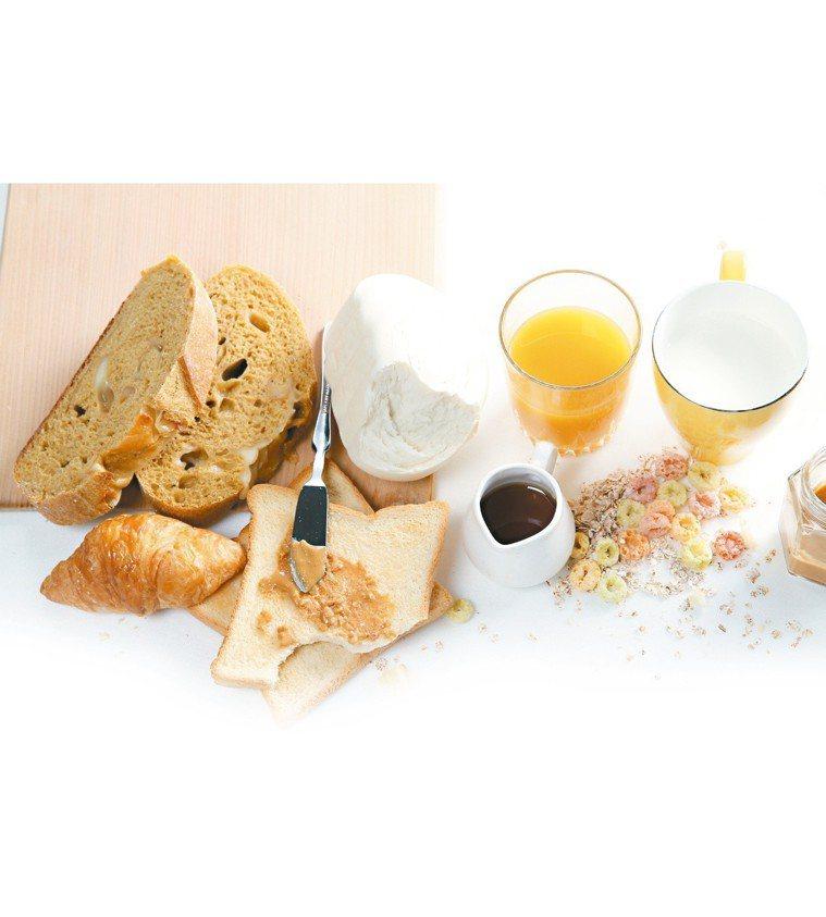 營養物質能幫助大腦增加良好的化學物質,穩定情緒,但有些卻會消耗能量,像是麵粉類食...