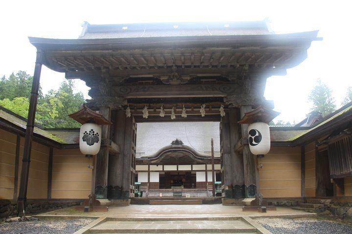 金剛峰寺的大門。 圖/背包客棧