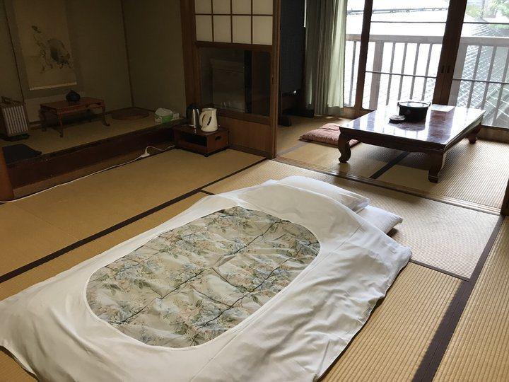 榻榻米的傳統日式房間。 圖/背包客棧