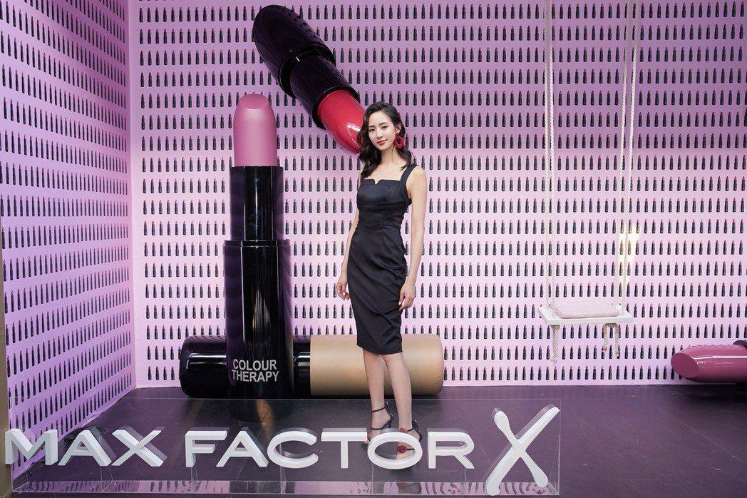 張鈞甯為彩妝品牌代言。圖/三石創設文化事業有限公司提供