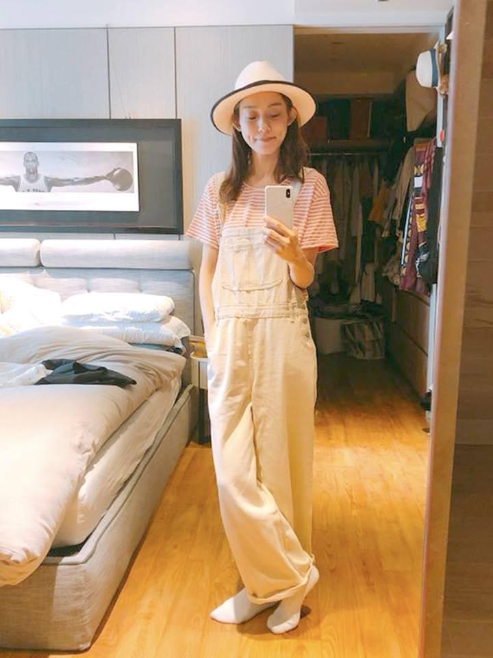 范瑋琪經常示範身穿自有品牌GENQUO的造型。圖/摘自GENQUO粉絲團