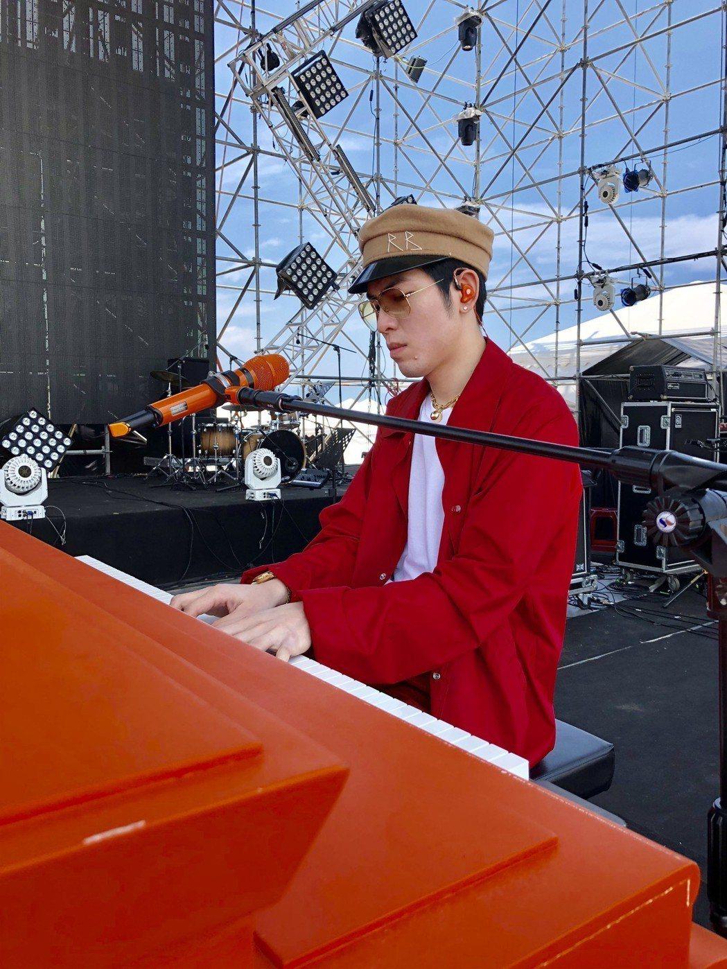 蕭敬騰率領獅子合唱團嗨唱海洋音樂祭。圖/喜鵲提供