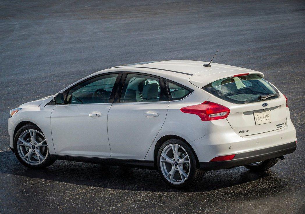 第3代Focus三角窗面積縮小但依然保留著。 摘自Ford
