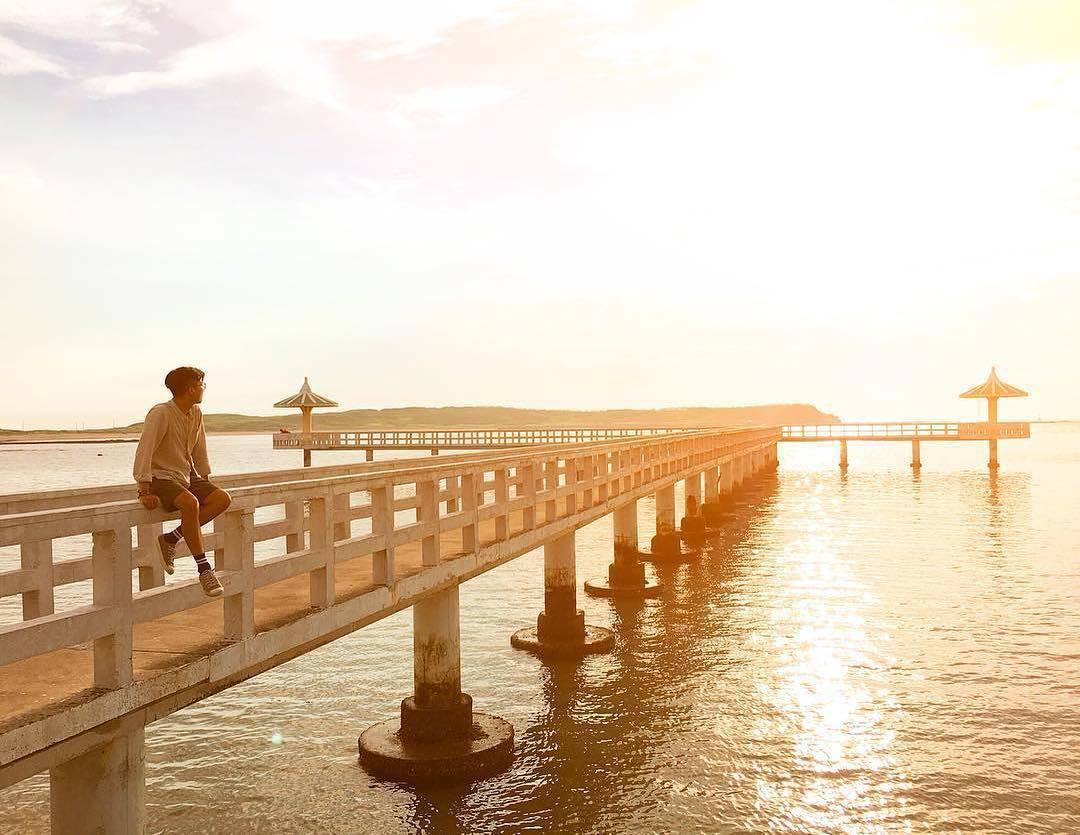 ▲澎湖景點-小池角雙曲橋。(圖/攝影者:________iota__ , Ins...