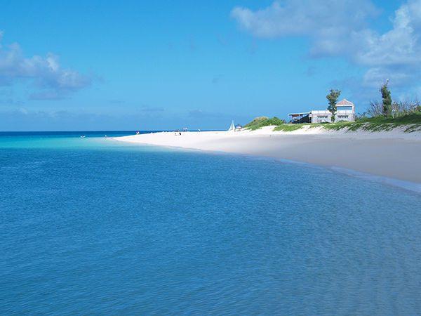 ▲沖繩海灘-與那霸前濱海灘。(圖/Okinawatraveler)
